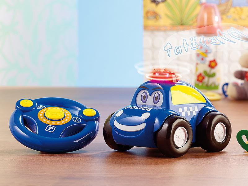 playtastic spielzeug auto ferngesteuertes polizei auto mit echter sirene spielzeugautos. Black Bedroom Furniture Sets. Home Design Ideas