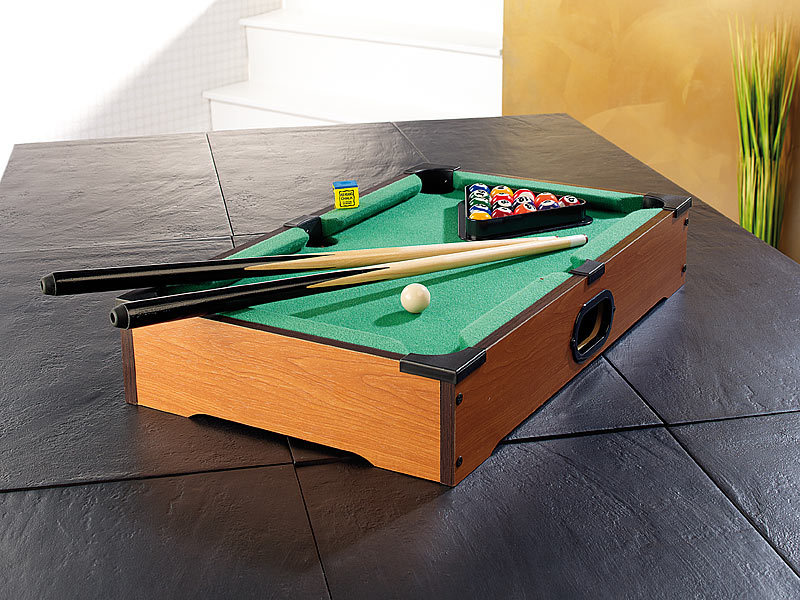 playtastic mini billard mini billardtisch mit 2 queues 16 kugeln billiard. Black Bedroom Furniture Sets. Home Design Ideas