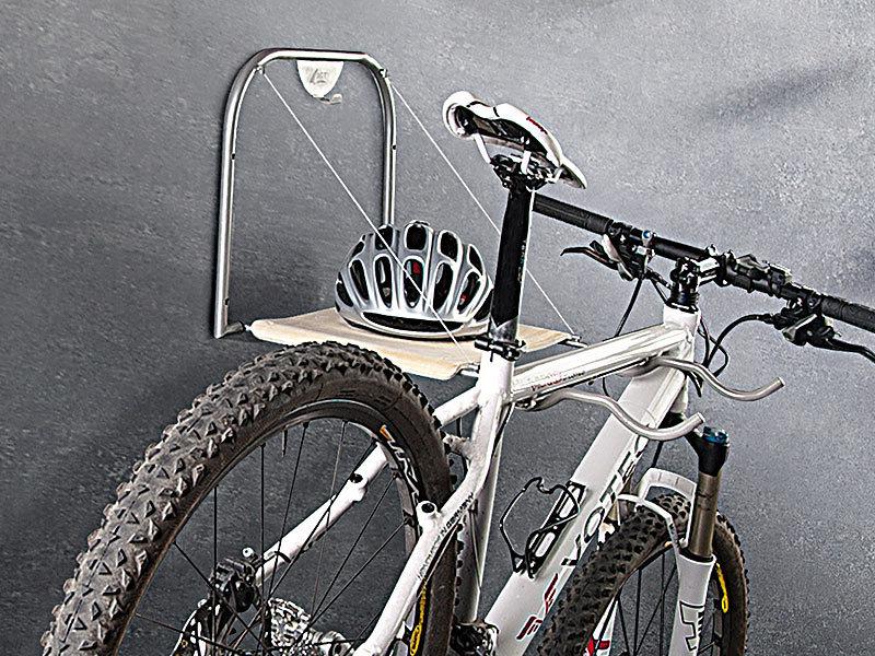 agt fahrradhalterung universal fahrrad wandhalterung mit ablage wh f r 2 bikes. Black Bedroom Furniture Sets. Home Design Ideas