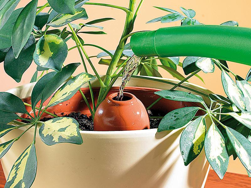 royal gardineer bew sserungskugeln terracotta wasserspender classico f r topfpflanzen im 3er. Black Bedroom Furniture Sets. Home Design Ideas