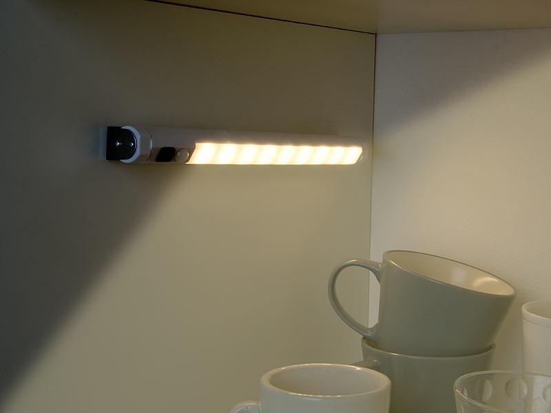 Lunartec LED Lichtleiste kabellos: LED-Lichtleiste mit PIR ...