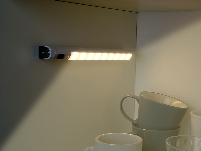 lunartec led lichtleiste kabellos led lichtleiste mit pir bewegungssensor 9 smd leds warmwei. Black Bedroom Furniture Sets. Home Design Ideas