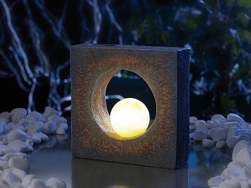 lunartec eindrucksvolle skulptur mit solar led beleuchtung. Black Bedroom Furniture Sets. Home Design Ideas
