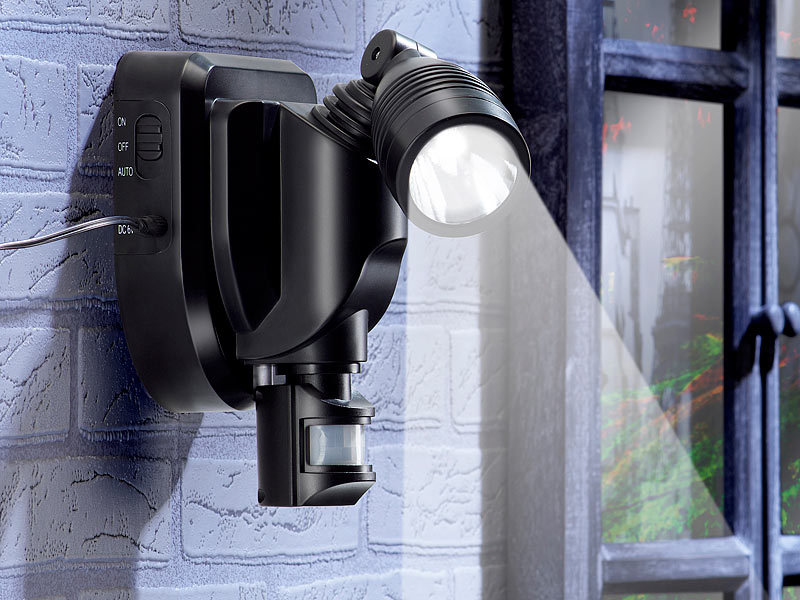 lunartec solar au en wand strahler cree leds 3 watt bewegungsmelder schwarz. Black Bedroom Furniture Sets. Home Design Ideas