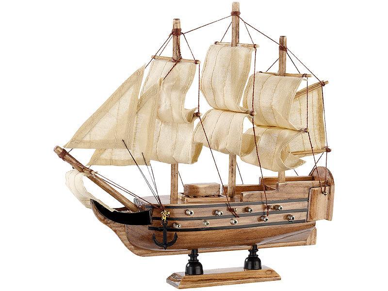 Playtastic Modellbau Bausatz: 70-teiliger Schiff-Bausatz Flaggschiff ...
