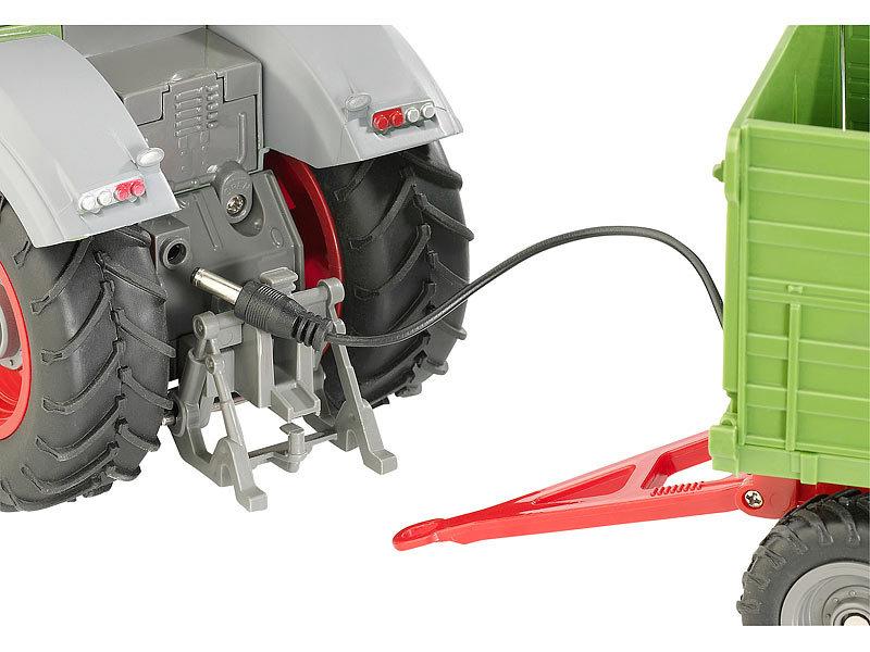 playtastic funk ferngesteuerter traktor mit steuerbarem anh nger. Black Bedroom Furniture Sets. Home Design Ideas