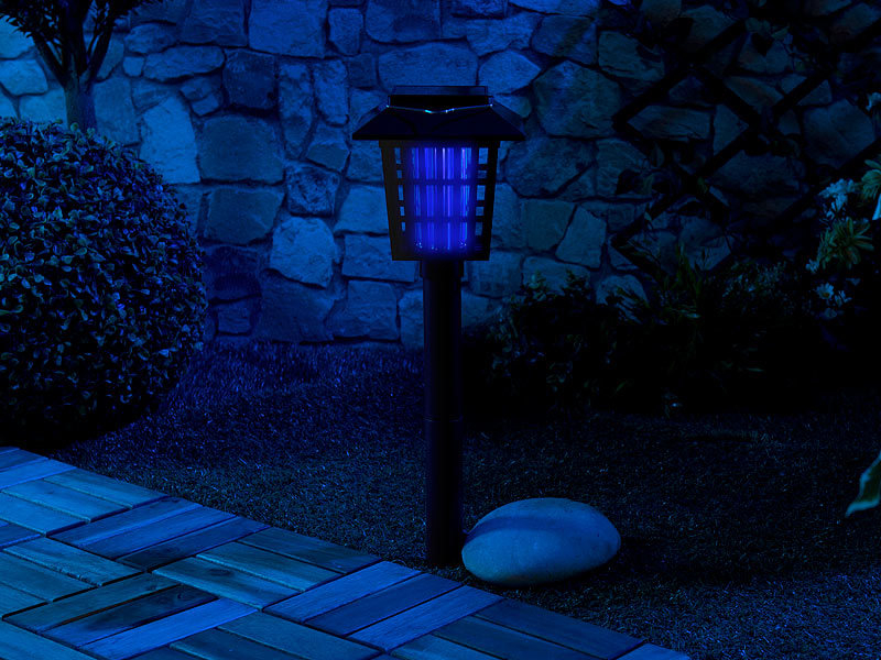 royal gardineer solar insektenvernichter 2in1 solar led gartenlicht insekten vernichter 1 uv. Black Bedroom Furniture Sets. Home Design Ideas