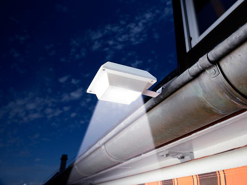 lunartec dachrinnenstrahler solar led dachrinnenleuchte. Black Bedroom Furniture Sets. Home Design Ideas