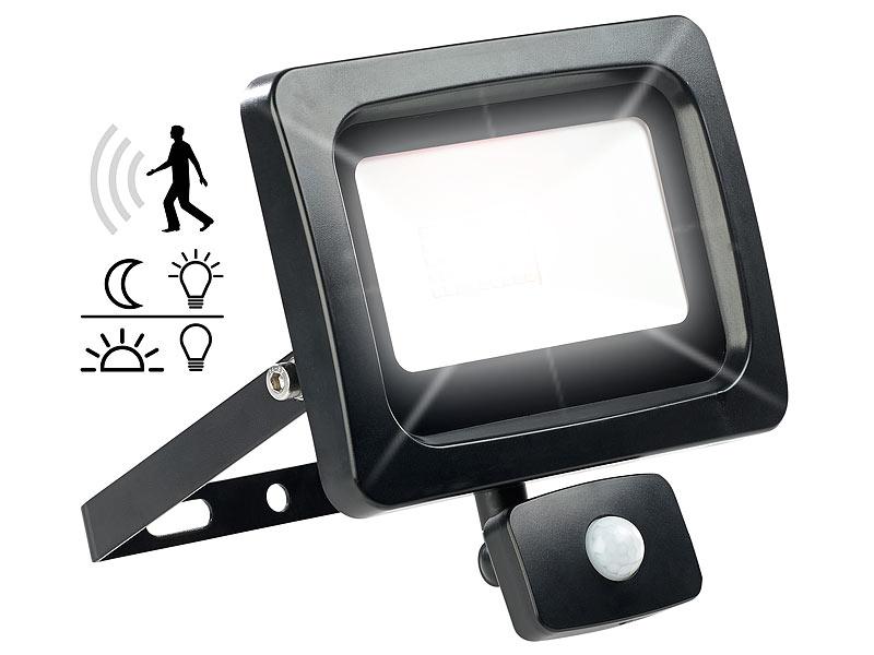 luminea fluter f r au enbereiche led fluter mit pir sensor 30 watt lm tageslichtwei. Black Bedroom Furniture Sets. Home Design Ideas