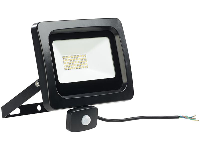 luminea baustrahler wandlampe led fluter mit pir sensor 50 watt lumen warmwei ip44. Black Bedroom Furniture Sets. Home Design Ideas