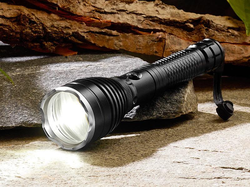 Taschenlampe Mit Akku : kryolights akku taschenlampe trc 130 mit cree led e zooming schwarz ~ Watch28wear.com Haus und Dekorationen