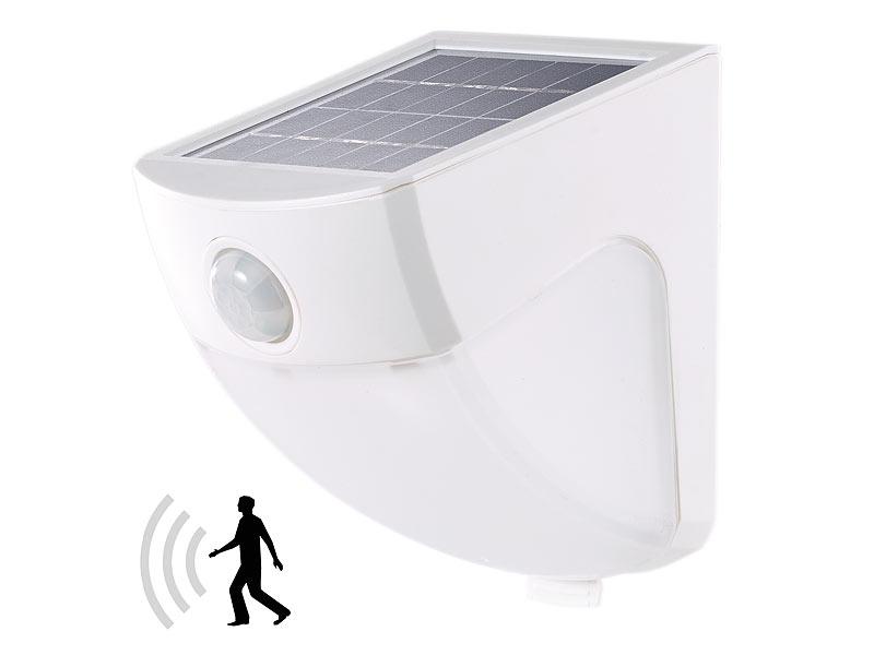 lunartec solaraussenlampe solar led wandleuchte mit pir sensor 4 leds 220 lm 2 w ip44. Black Bedroom Furniture Sets. Home Design Ideas