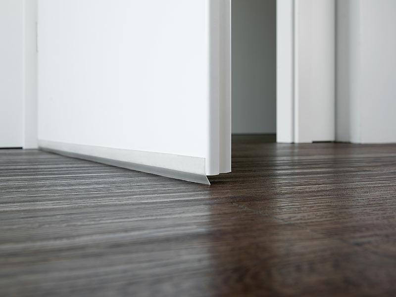 infactory t rdichtung 2er set transparente zugluft stopper selbstklebend 100 x 2 8 cm. Black Bedroom Furniture Sets. Home Design Ideas