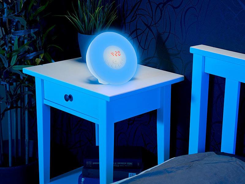 auvisio uhrenradio wake up led radiowecker mit bluetooth. Black Bedroom Furniture Sets. Home Design Ideas