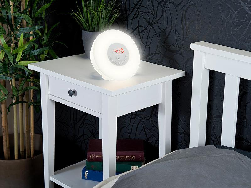 auvisio tageslichtwecker wake up led radiowecker mit bluetooth sonnenaufgangs simulation. Black Bedroom Furniture Sets. Home Design Ideas