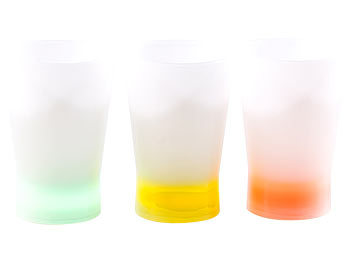 Leuchtende gläser party