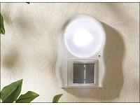 Lunartec LED-Leuchte<br />mit Bewegungs- &amp; D&auml;mmerungssens...